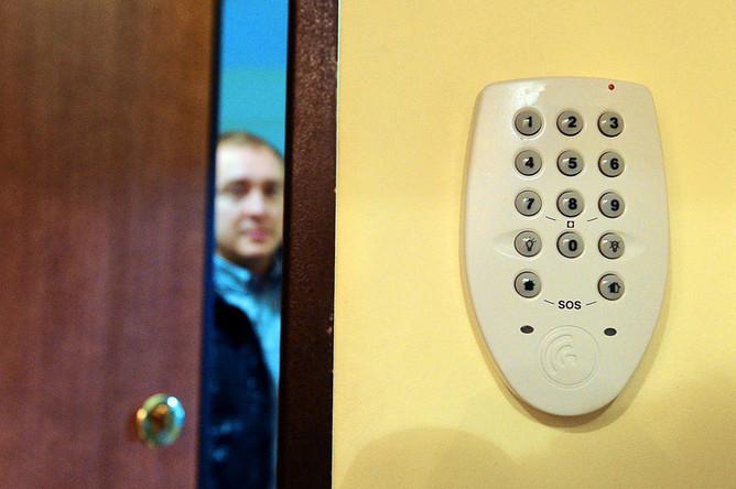 Как поставить квартиру на охрану?
